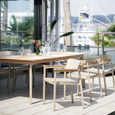 Shine Dining Table